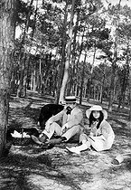 "Claude Debussy (1862-1918), French composer and his daughter ""Chouchou"". Le Moulleau (France), 1916. © Roger-Viollet"