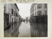 Floods in Paris. Rue de Javel (XVth arrondissement). Anonymous photograph (Criminal Records Office). January 1910. Paris, musée Carnavalet. © Musée Carnavalet/Roger-Viollet