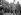 Guerre 1939-1945. Le général De Gaulle à l'Arc de triomphe, le jour de la manifestation populaire pour la Victoire. Paris, 8 mai 1945. © LAPI / Roger-Viollet