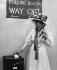 Christabel Pankhurst (1880-1958), suffragette britannique, dans un bureau de vote pendant des élections législatives. Londres (Angleterre), 14 décembre 1918. © PA Archive/Roger-Viollet