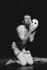 """""""Casta Diva"""". Chorégraphie : Maurice Béjart. Musique : Alain Louvier. Paris, IRCAM, mars 1980. © Colette Masson/Roger-Viollet"""