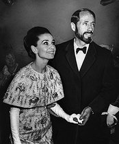 Audrey Hepburn (1929-1993), British actress with her husband Mel Ferrer (1917-2008), American actor and director. © Roger-Viollet