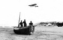 Jacques de Lesseps (1883-1927), French aviator, crossing the Channel from Calais to Bringsdown, aboard a Blériot monoplane. © Maurice-Louis Branger/Roger-Viollet