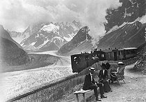 Montenvers. The iced sea and the railway. Haute-Savoie, on 1909.  © Roger-Viollet