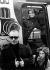 Karl Lagerfeld (1933-2019), couturier allemand en compagnie de son modèle Claudia Schiffer, 1993. © Ullstein Bild / Roger-Viollet