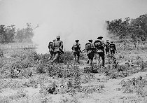 Sino-japanese war, 1937-1941. Chinese soldiers into the attack. © Roger-Viollet