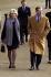 Le prince Charles se promenant avec Camilla Parker-Bowles dans Green Park. Londres, 19 décembre 2001. © TopFoto/Roger-Viollet