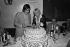 Anniversaire d'Annie Cordy, chanteuse et artiste de music-hall avec Serge Lama. Juin 1979. © Jacques Cuinières / Roger-Viollet
