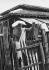 Le Mahatma Gandhi (1869-1948), homme politique indien, durant les fortes chaleurs de l'été, à l'ashram Sevagram, à Wardha (Maharashtra, Inde), 1940. Photo Dinodia. © TopFoto / Roger-Viollet