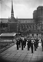 Agents de police parisiens faisant l'exercice. Paris (IVème arr.), 1939. © LAPI / Roger-Viollet