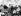 Guerre 1939-1945. Mao Zedong (au fond, à gauche) et l'ambassadeur américain Patrick J. Hurley, lors d'une conférence au Quartier Général Communiste de Yan'an (Chine). 27 août 1945. A droite : Zhou Enlai.       © US National Archives/Roger-Viollet