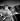 Joe Cocker (1944-2014), chanteur anglais, et sa petite amie de l'époque, Eileen Webster. Londres (Angleterre), 30 octobre 1972. © The Image Works / Roger-Viollet