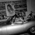 Jeunes gens en automobile. France, 1967. © Noa / Roger-Viollet