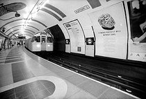 London (England). The Tube. Station of Waterloo. © Roger-Viollet