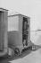 """Scènes de genre, 1900. """"Sur la plage : après le bain"""". Détail d'une vue stéréoscopique. © Léon et Lévy/Roger-Viollet"""