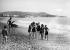 Scène de plage. Nice (Alpes-Maritimes), vers 1925. © Maurice-Louis Branger/Roger-Viollet