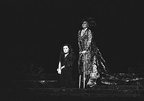 """Elektra"" by Richard Strauss. Direction: August Everding. Conductor: Horst Stein. Birgit Nilsson and Christa Ludwig. Opéra de Paris, November 1976. © Colette Masson/Roger-Viollet"