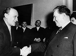 Janos Kadar (1892-1980), Premier ministre hongrois, accueillant le maréchal Tito (Josip Broz, 1892-1980), homme d'Etat yougoslave, à son arrivée à Budapest (Hongrie), 7 décembre 1962. © PA Archive / Roger-Viollet