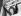 Margaret Thatcher (1925-2013), levant les bras et saluant ses supporters, après son arrivée dans le quartier général de son parti. Londres (Angleterre), 10 juin 1983. © TopFoto / Roger-Viollet