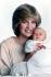 La princesse Diana (1961-1997), posant avec son fils, le prince William (né en 1982). © TopFoto/Roger-Viollet