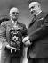 Harry Truman (1884-1972), homme d'Etat américain, recevant la Torah des mains de Chaim Weizmann (1874-1952), homme d'Etat israélien sur les marches de la Maison Blanche, Washington D.C (Etats-Unis), 29 mai 1948. © TopFoto/Roger-Viollet