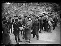 """Spanish Civil War (1936-1939). """"La Retirada"""". French gendarmes searching Spanish refugees before the walked down to Prats-de-Mollo-la-Preste (France), on January 28, 1939. Photograph from the Excelsior newspaper. © Excelsior - L'Equipe / Roger-Viollet"""