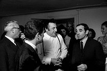 Raymond Devos (1922-2006), Belgian-born French humorist, and Charles Aznavour (1924-2018), Armenian-born French singer-songwriter and actor. Paris, 1964. Photograph by Georges Kelaïditès (1932-2015). © Georges Kelaïditès / Roger-Viollet