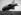 """Le dirigeable LZ 127 """"Graf Zeppelin"""" atterrissant sur l'aérodrome d'Aspern (Autriche), 1931. © Imagno / Roger-Viollet"""