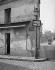 Montmartre, impasse Traînée, angle de la rue Norvins. Paris (XVIIIème arr.), 1948. Photographie de René Giton dit René-Jacques (1908-2003). Bibliothèque historique de la Ville de Paris. © René-Jacques/BHVP/Roger-Viollet