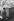 Couple s'embrassant au garde-fou d'un bateau, vers 1930. © Imagno/Roger-Viollet