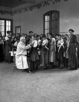 Vaccination session in a school. France, circa 1900. © Roger-Viollet