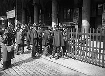 Departure of conscripts of 1913, following the passing of the Three-Year Service Law, extending the military conscription from 2 years to 3. Paris, Gare de l'Est train station. © Roger-Viollet