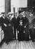 """Robert Edwin Peary (1856-1920), explorateur polaire américain, avec sa femme et leur fils à bord du """"Kronprinz"""". Au milieu, le capitaine Bartlett, à droite, le capitaine Hoyemann. 1910.  © Ullstein Bild / Roger-Viollet"""