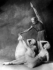 """""""Apollon Musagète"""", ballets de Serge de Diaghilev, musique d'Igor Stravinsky et chorégraphie de George Balanchine. Serge Lifar, Lubov Tchernicheva et Felia Doubrovska. Paris, 1928. © Boris Lipnitzki/Roger-Viollet"""