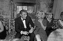 Johnny Hallyday (1943-2017) and Sylvie Vartan (born in 1944), French singers. Paris, Club Saint-Hilaire nightclub, 1964. © Roger-Viollet