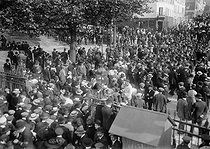 Demonstration against the Three-Year Service Law, extending the military conscription from 2 years to 3. Le Pré-Saint-Gervais (France), on May 25, 1913. © Maurice-Louis Branger / Roger-Viollet