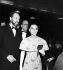 Mel Ferrer (1917-2008), acteur, réalisateur et producteur américain et Audrey Hepburn (1929-1993), actrice britannique.      © Jack Nisberg / Roger-Viollet
