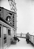 Exposition Universelle de 1900 à Paris. La terrasse du troisième étage de la Tour Eiffel. © Neurdein / Roger-Viollet