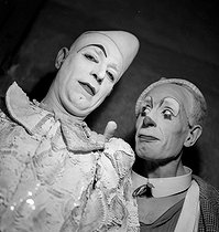 Circus : clowns. France, circa 1935. © Gaston Paris / Roger-Viollet