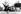 Alan Shepard (1923-1998), astronaute américain, après la mission Mercury-Redstone 3, avec son épouse Louise, le directeur de la NASA James E. Webb, le vice-président américain Lyndon B. Johnson et Robert R. Gilruth, chef du projet Mercury, en chemin vers le Capitole. Washington (Etats-Unis), 8 mai 1961. © Ullstein Bild / Roger-Viollet