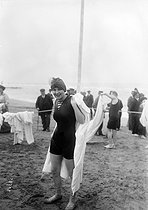 Bathers. Deauville (France), August 1913. © Maurice-Louis Branger / Roger-Viollet