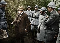 World War I. Georges Clemenceau (1841-1929), French statesman, visiting the front in Picardy. Colourized photo. © Collection Roger-Viollet / Roger-Viollet