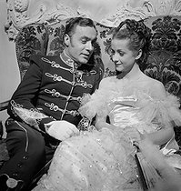 """Mayerling"", film d'Anatole Litvak. Danielle Darrieux et Charles Boyer. France, 1935. © Gaston Paris / Roger-Viollet"