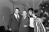 Enrico Macias, chanteur français, entouré de son épouse, de son père et de Bruno Coquatrix. Paris, Olympia, 1972. © Patrick Ullmann / Roger-Viollet
