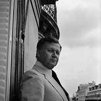 Philippe Bouvard (born in 1929), French journalist, writer, radio and TV host, at his place. Paris, June 1979. © Kathleen Blumenfeld / Roger-Viollet