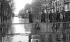 Crue de la Seine. Paris, avenue Ledru-Rollin, janvier 1910.      © Neurdein/Roger-Viollet