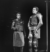 """Richard III"" by Shakespeare. Robert Hirsch and Nicolas Silberg. Paris, Comédie-Française, March 1972. © Angelo Mellili / Roger-Viollet"
