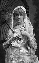 "Sarah Bernhardt (1844-1923), French stage actress and theatre manager, in ""Frou-Frou"", play by Meilhac and Halévy. This play has been shown during a tour in 1880 and revived in 1883 at the théâtre de la Porte Saint-Martin in Paris. © Collection Roger-Viollet/Roger-Viollet"