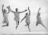 """Elèves de l'école de danse """"Preston School Dance"""" répétant une danse grecque sur une plage. Virginia Beach (Virginie, Etats-Unis), 1931. © Underwood Archives/The Image Works/Roger-Viollet"""