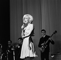 Sylvie Vartan (born in 1944), French singer, during the opening act of the Beatles first concert in Paris. Olympia, Paris (France), January 16th-February 4th, 1964. © Claude Poirier/Roger-Viollet